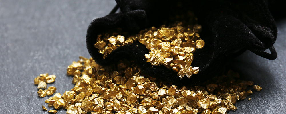 Falling Yields Open Opportunity to Short Gold